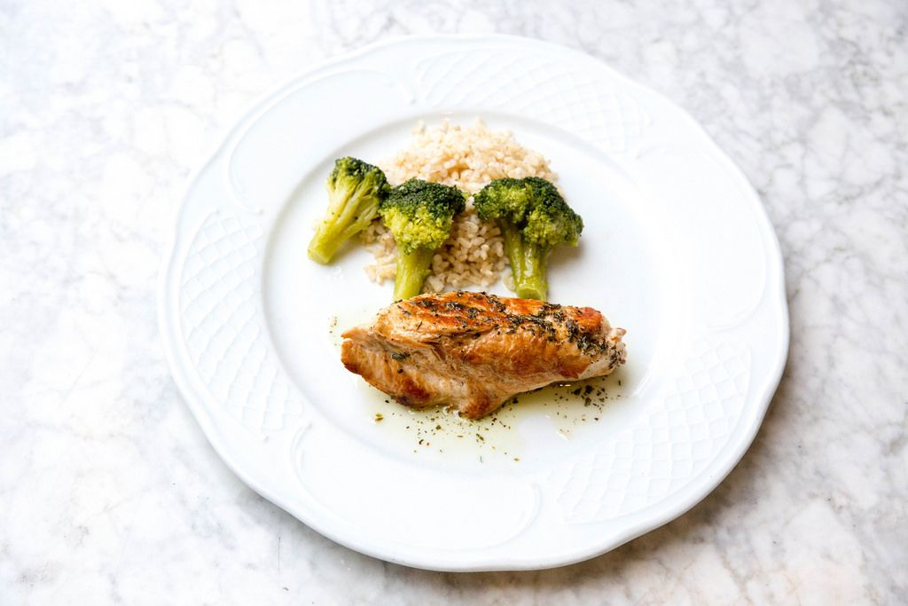 Grilled turkey breast with broccoli and rice