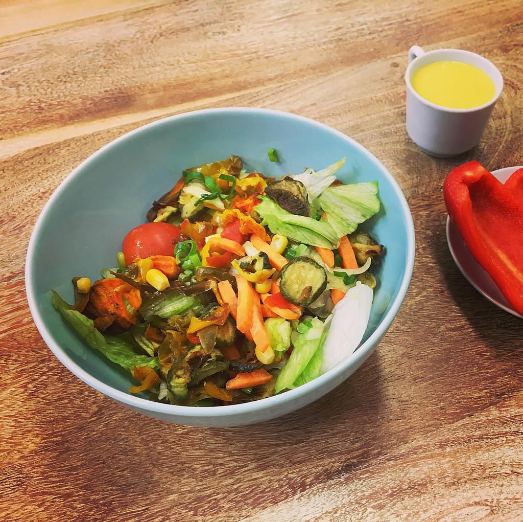 Grilled Veggie Salad with Curry-Mango Dressing #salad #veggie #yummy #instafood
