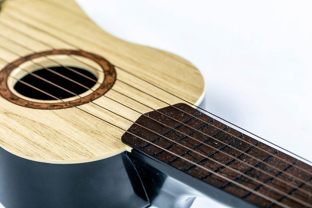 Guitar strings close-up (Flip 2019) (Flip 2019) Flip 2019