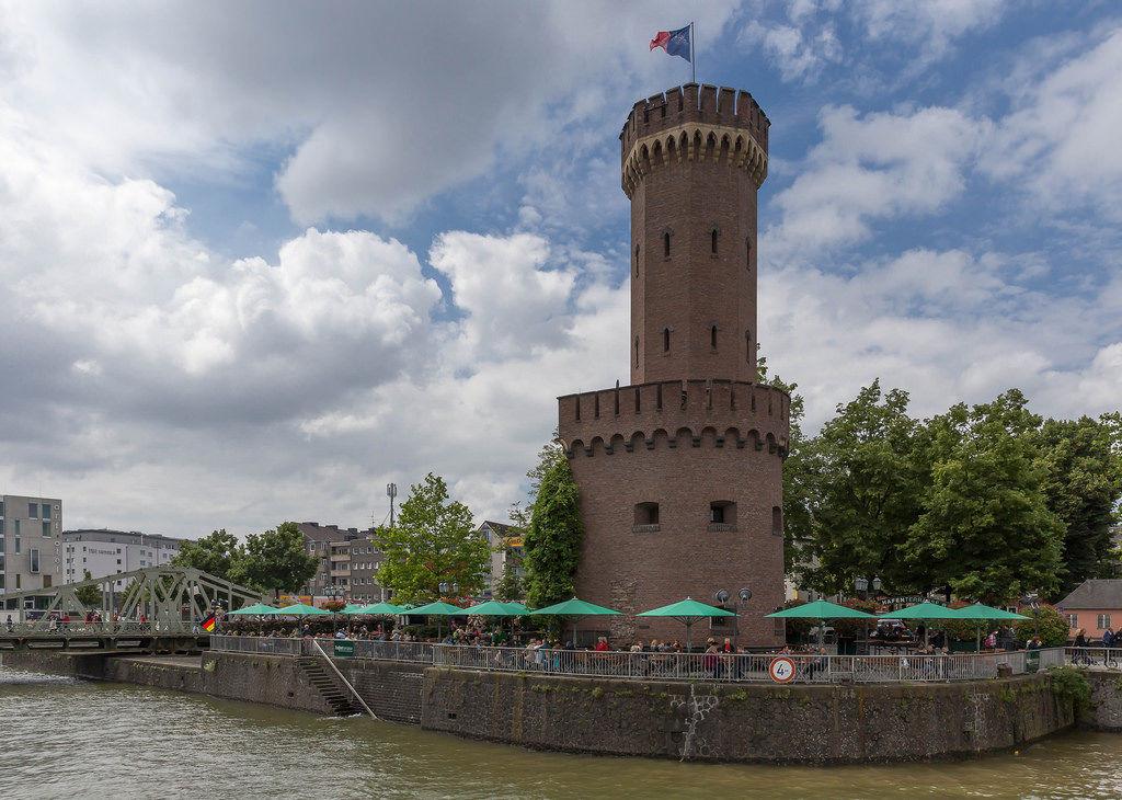 Hafenterrasse am Malakoffturm