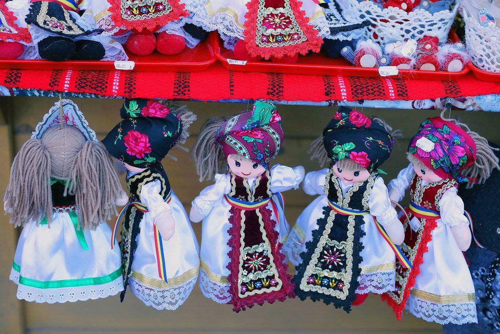 Handmade Romanian dolls, traditional costumes (Flip 2019)