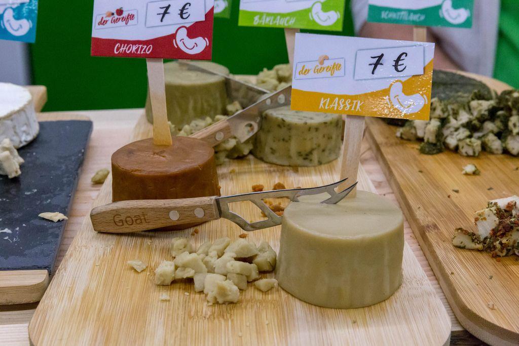 Happy Cheeze - veganer Bio-Käse in den Varianten: Klassik, Chorizo und Bärlauch