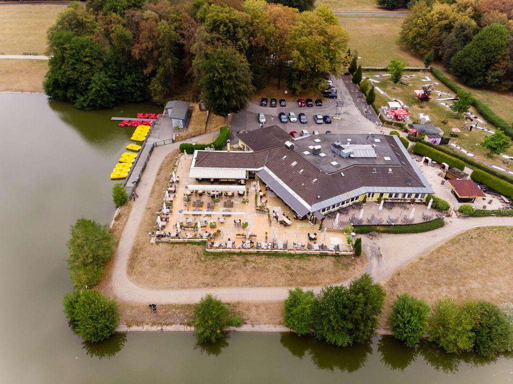 Haus am See mit Tretbootverleih in Köln Marco Verch