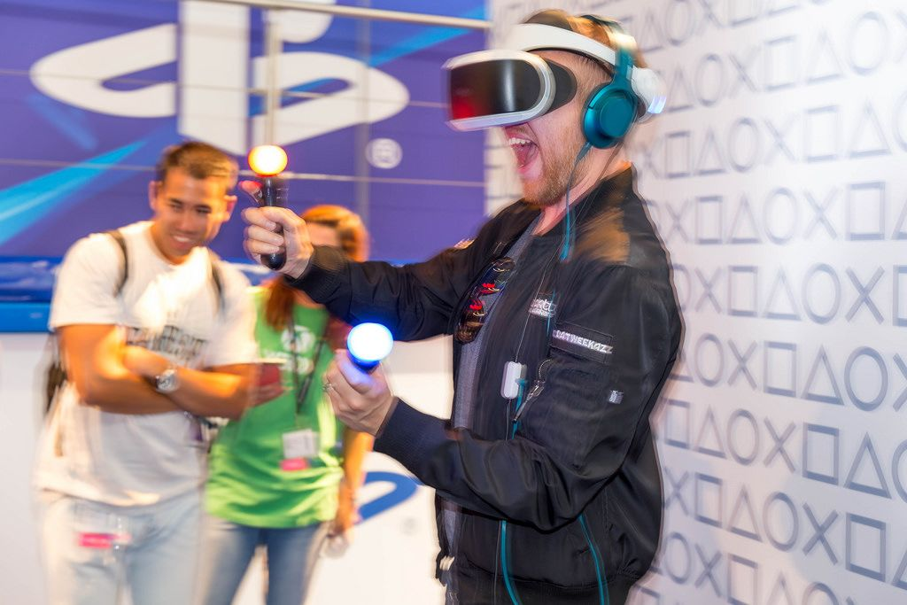 Having Fun while playing Sony Playstation VR