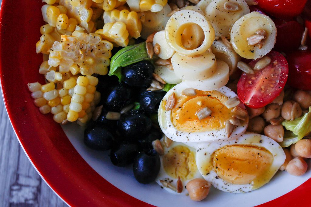 Healthy Salad with Corn, Egg and Tomato