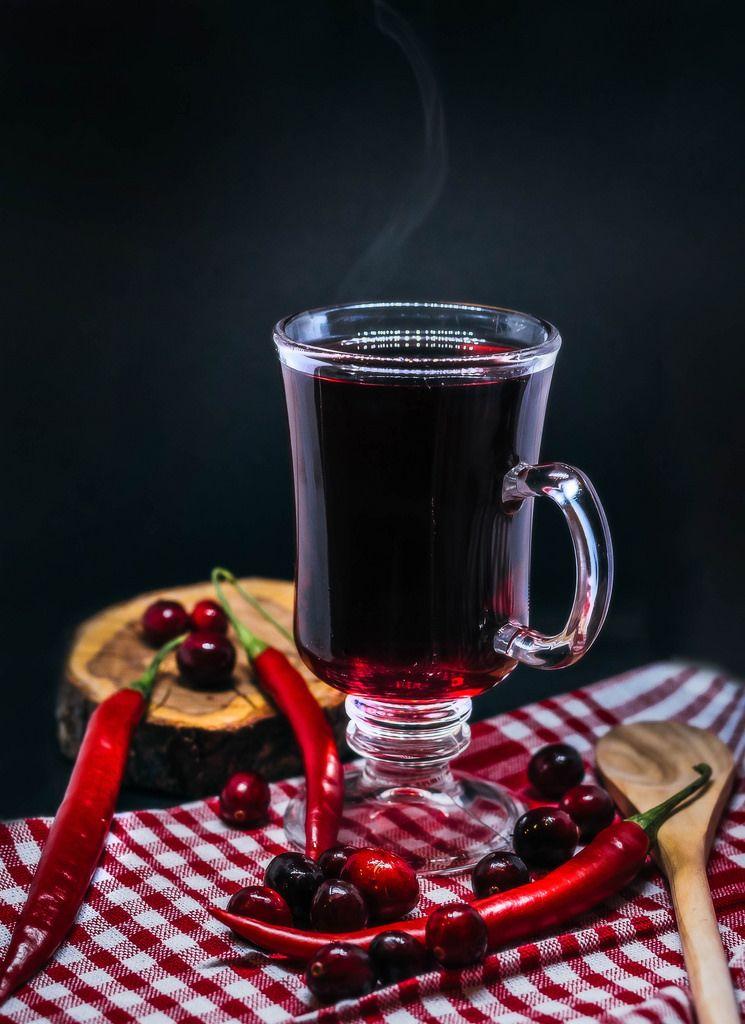 Heißgetränk mit Cranberry und Chili
