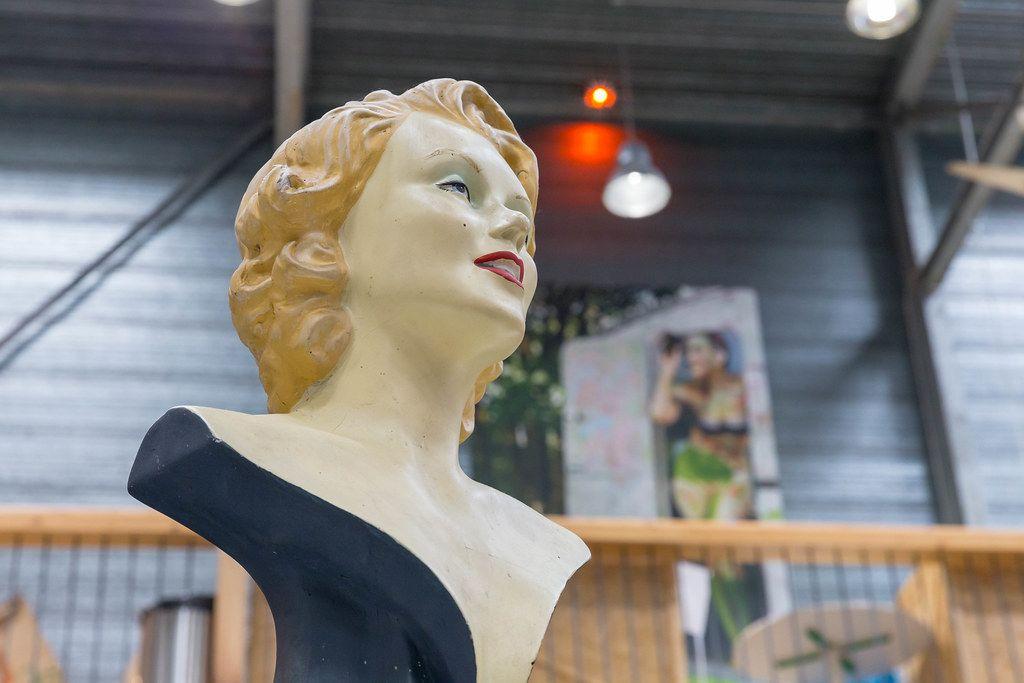 Hollywood-Ikone Marilyn Monroe als Büste, ausgestellt auf dem Barcamp in Koblenz und Bonn