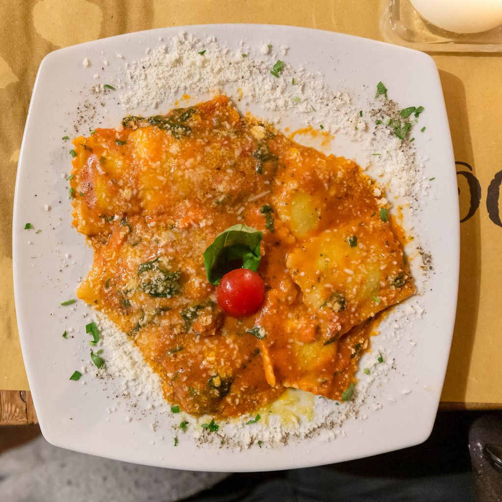 Home made italian ravioli at Mimi e Cocos wine bar in Rome