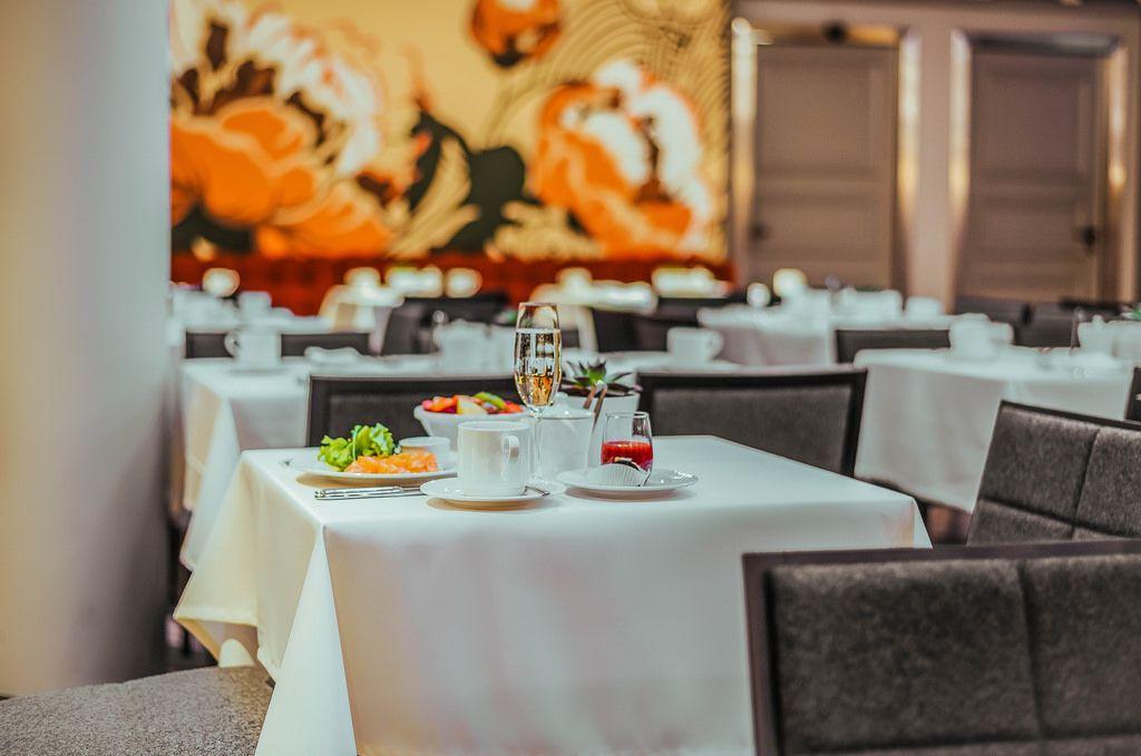 Hotel Restaurant And Breakfast