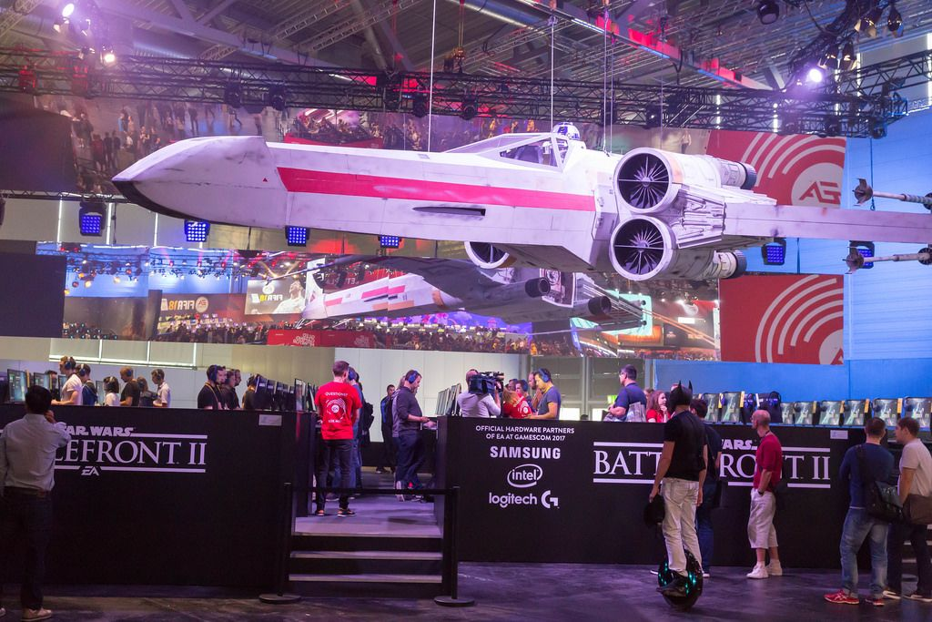 Huge X-Wing Fighter at the Star Wars Battlefront II booth - Gamescom 2017, Cologne