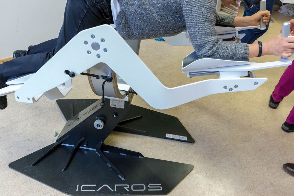 Icaros active virtual reality device