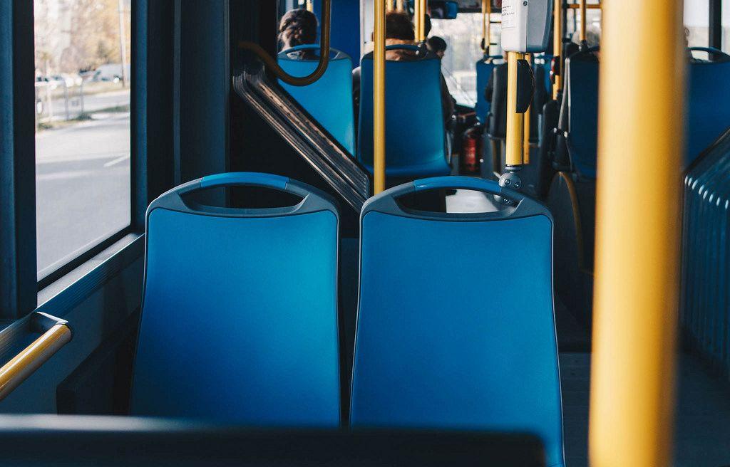 Im Inneren eines Buses