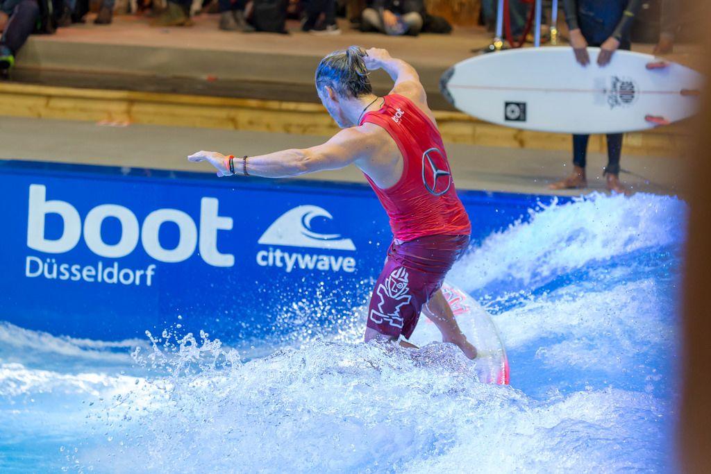 Indoor Surfing Anlage Citywave bei der Boot Düsseldorf 2018