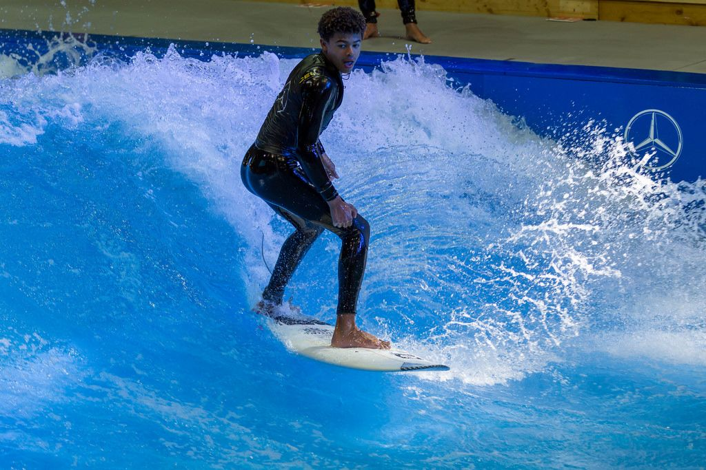 Indoor surfing in the Surfpool by Citywave at fair Boot Düsseldorf 2018
