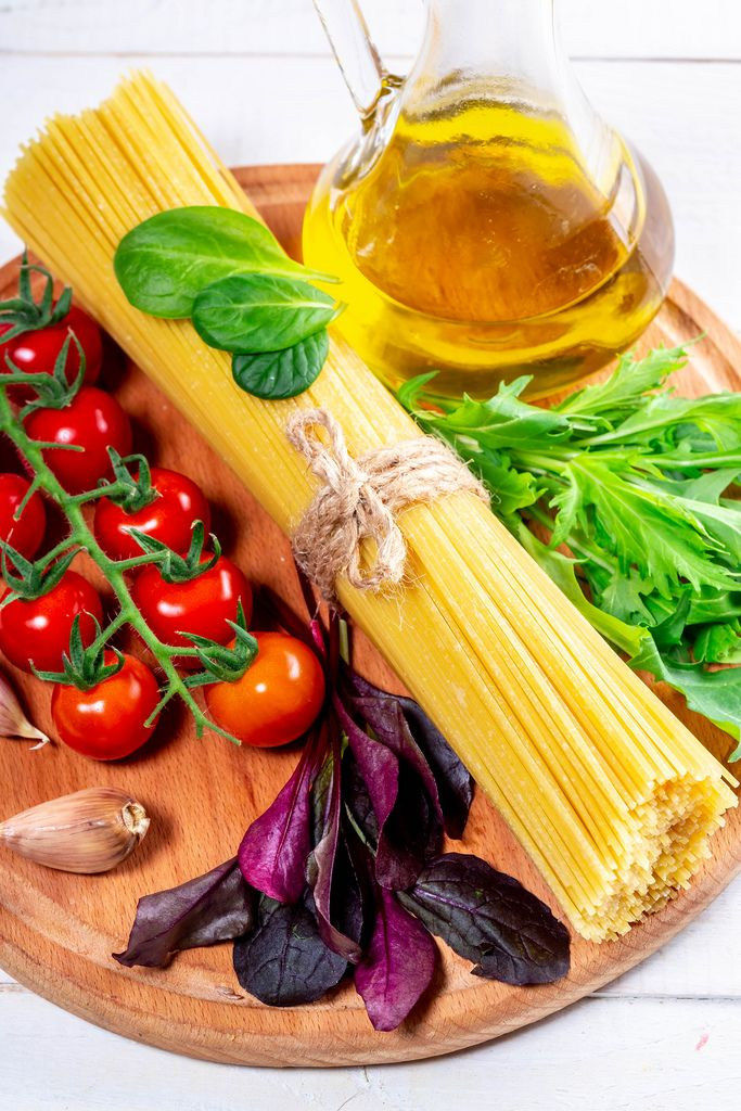 Ingredients for cooking spaghetti (Flip 2019)