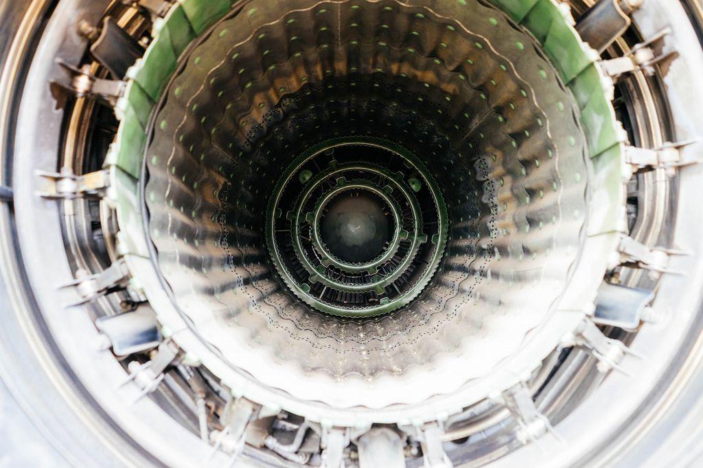 Internals of fighters jet engine / Innenräume von Kampfflugzeugtriebwerk