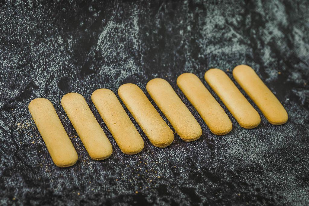 Italian savoiardi cookies (Flip 2019)