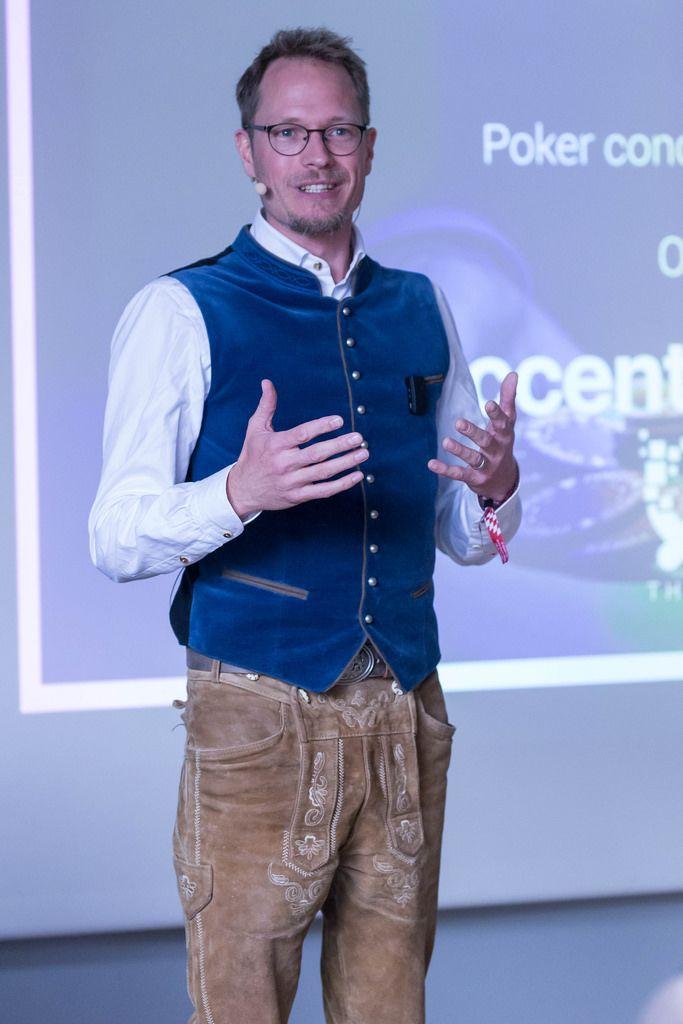 Jan Heitmann - Poker Experte hält eine Rede