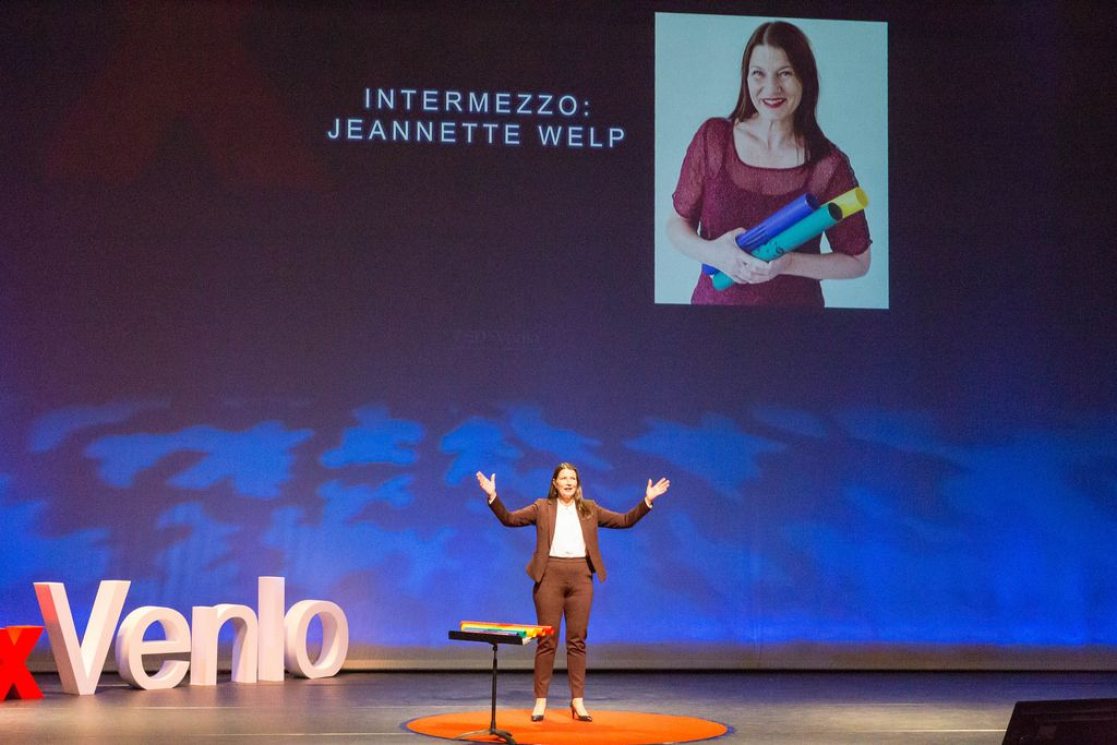 Jeanette Welp speaks at the TEDxVenlo 2018