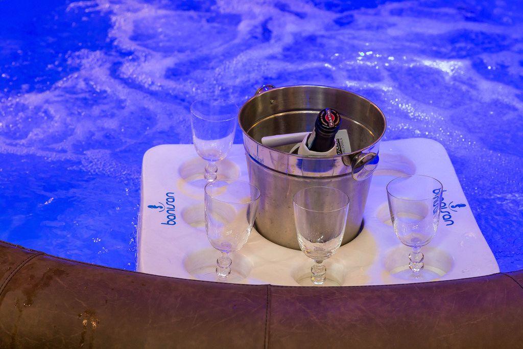 Kalter Martini im Whirlpool von Banisan - Boot Düsseldorf 2018