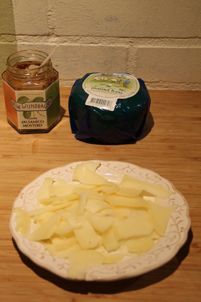 Käse und Senf