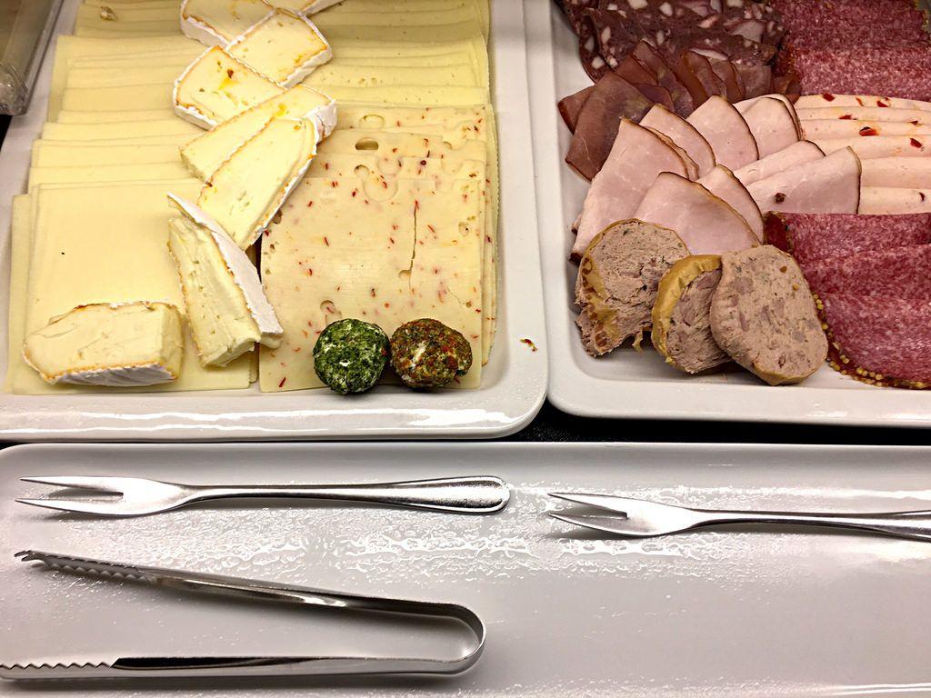 Käseplatte und Aufschnitt