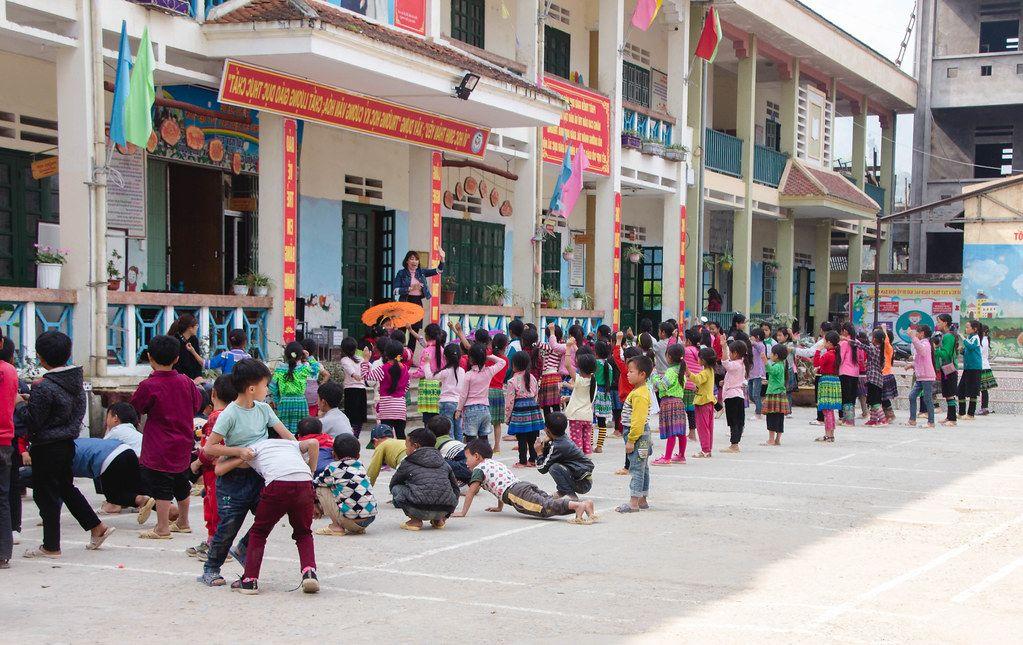 Kids  Waiting in Line at  School Sapa Vietnam .CR2 (Flip 2019)