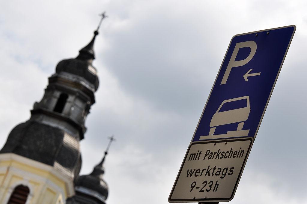 Kirche im Parkverbot