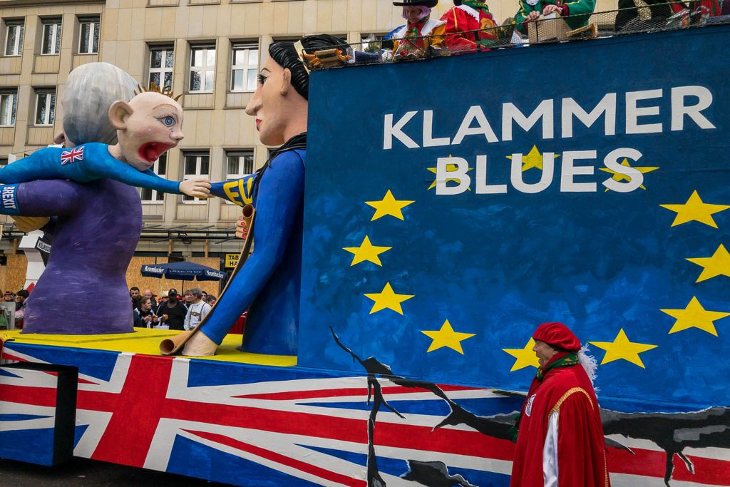 Klammer Blues Wagen zum Thema BREXIT - Kölner Karneval 2018
