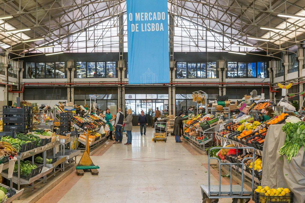 Klassicher Markt in Lissabon