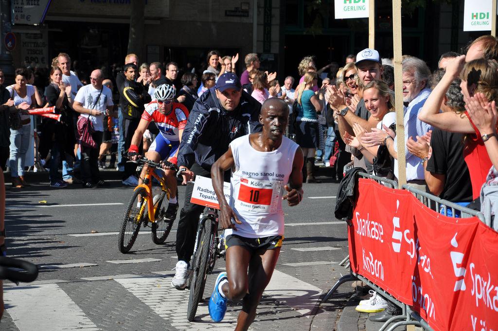 Köln Marathon 2010: Bowel Francis