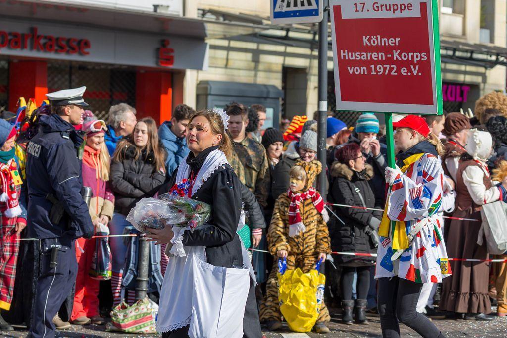Kölner Husaren-Korps von 1972 beim Rosenmontagszug - Kölner Karneval 2018