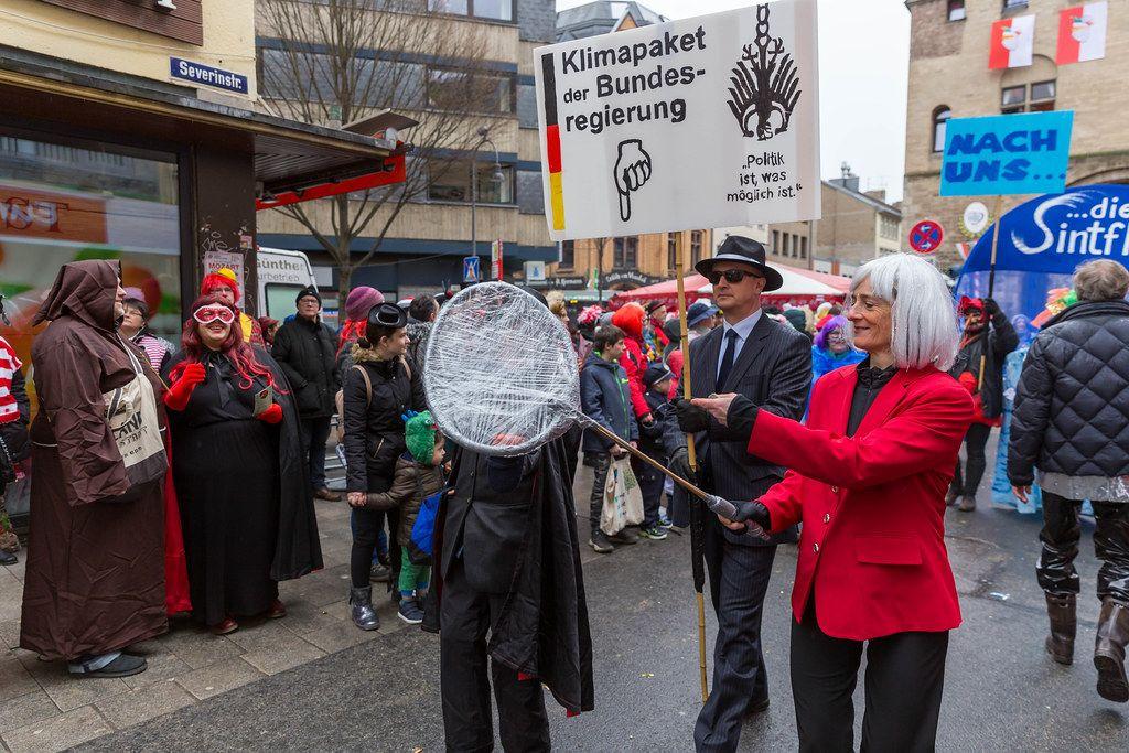 Kölner Karnevalisten persiflieren das Klimapaket der Bundesregierung