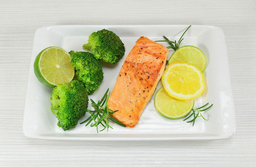 Lachs mit Brokkoli
