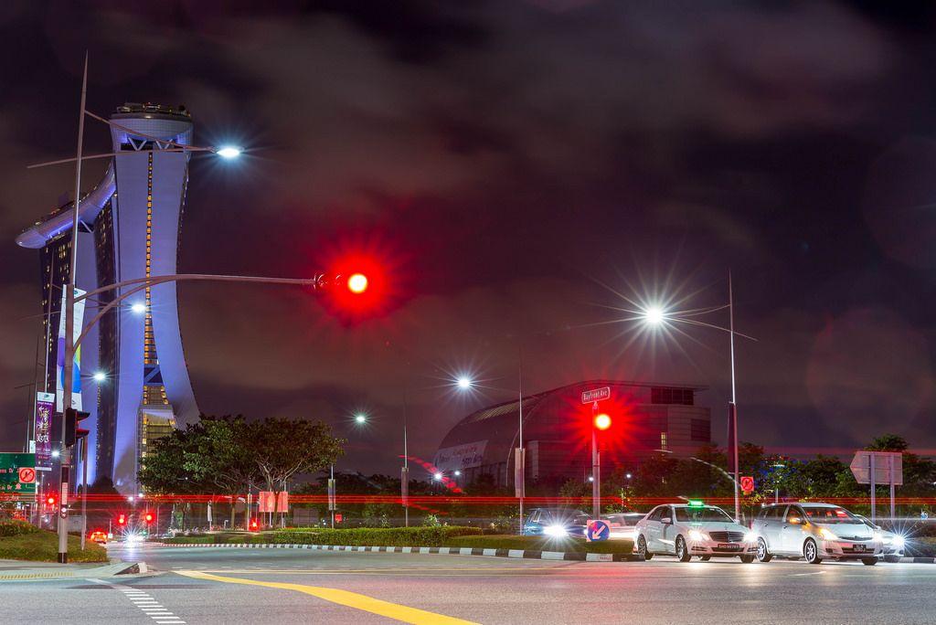 Langzeitbelichtung: Marina Sands Bay Hotel bei Nacht