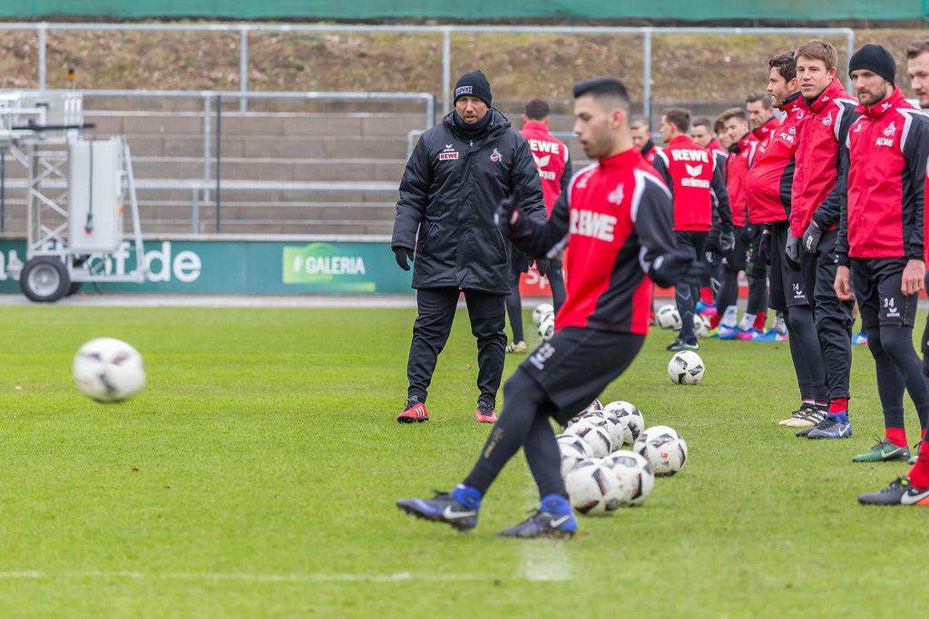 Lattenschießen beim Training des 1. FC Köln