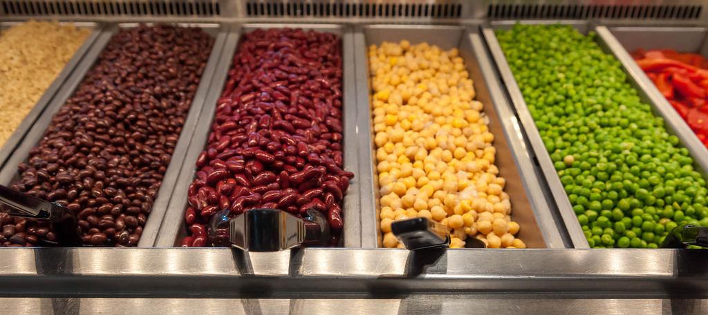 Linsen, Erbsen, Bohnen im Whole Foods Market