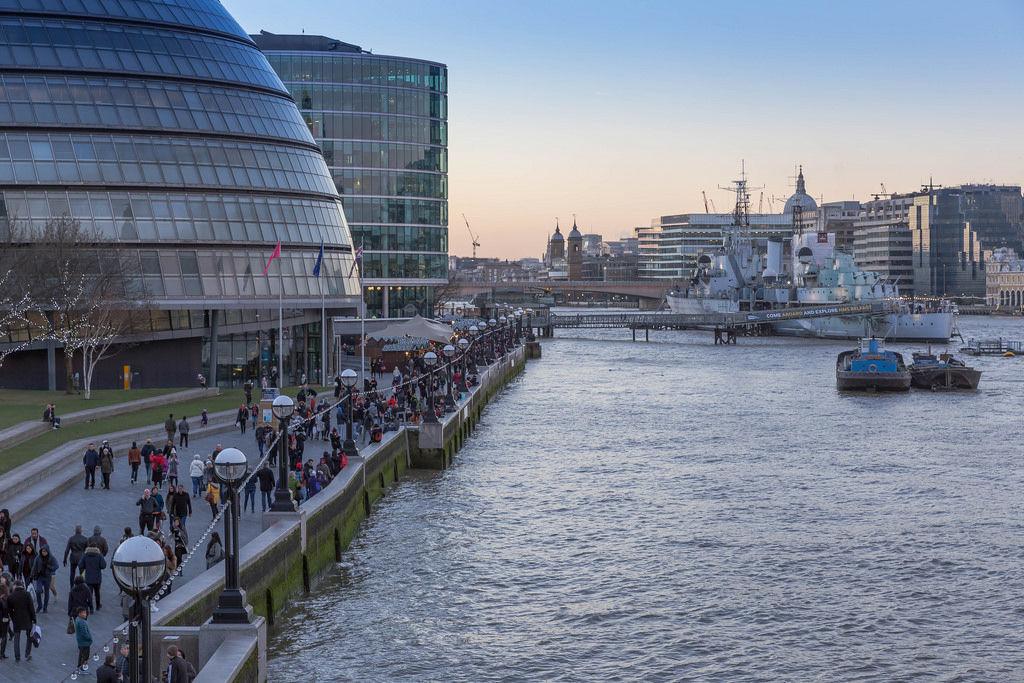 London: City Hall & Themse