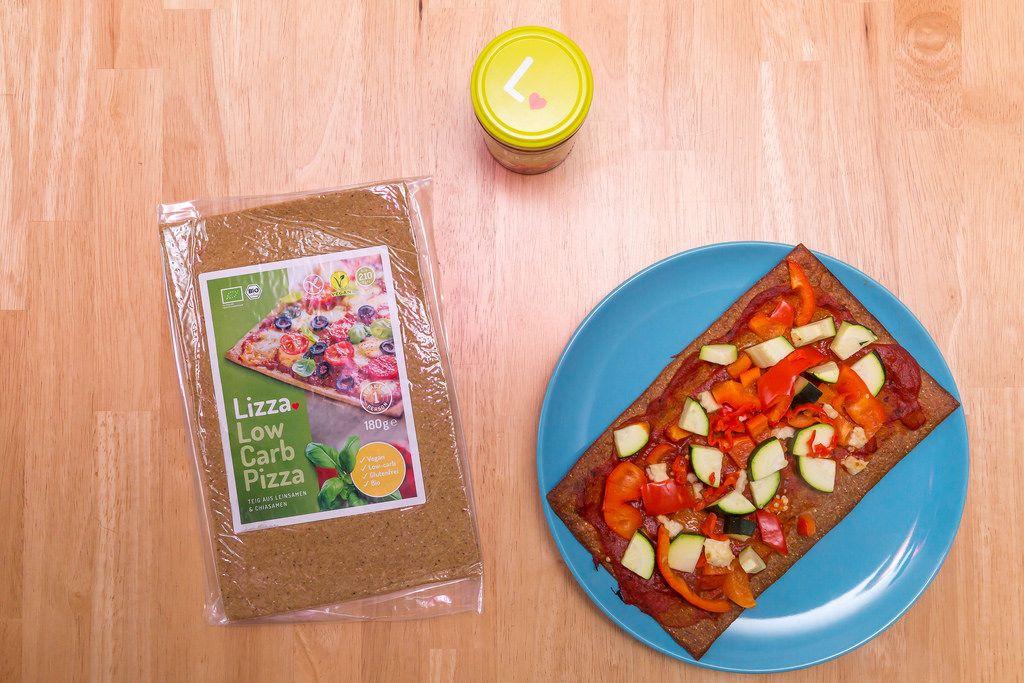 Low Carb Pizza aus Leinsamen und Chiasamen
