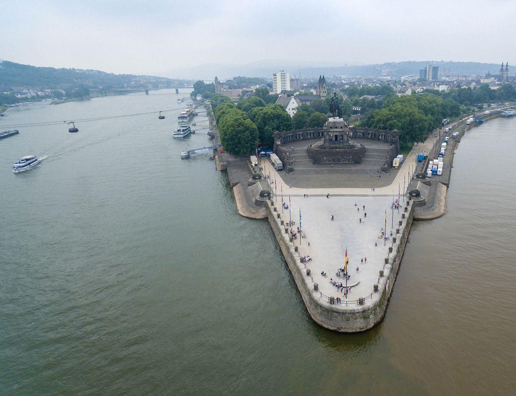 Luftbild des Rheins, der Mosel, des Deutschen Ecks und des Mahnmals der Deutschen Einheit