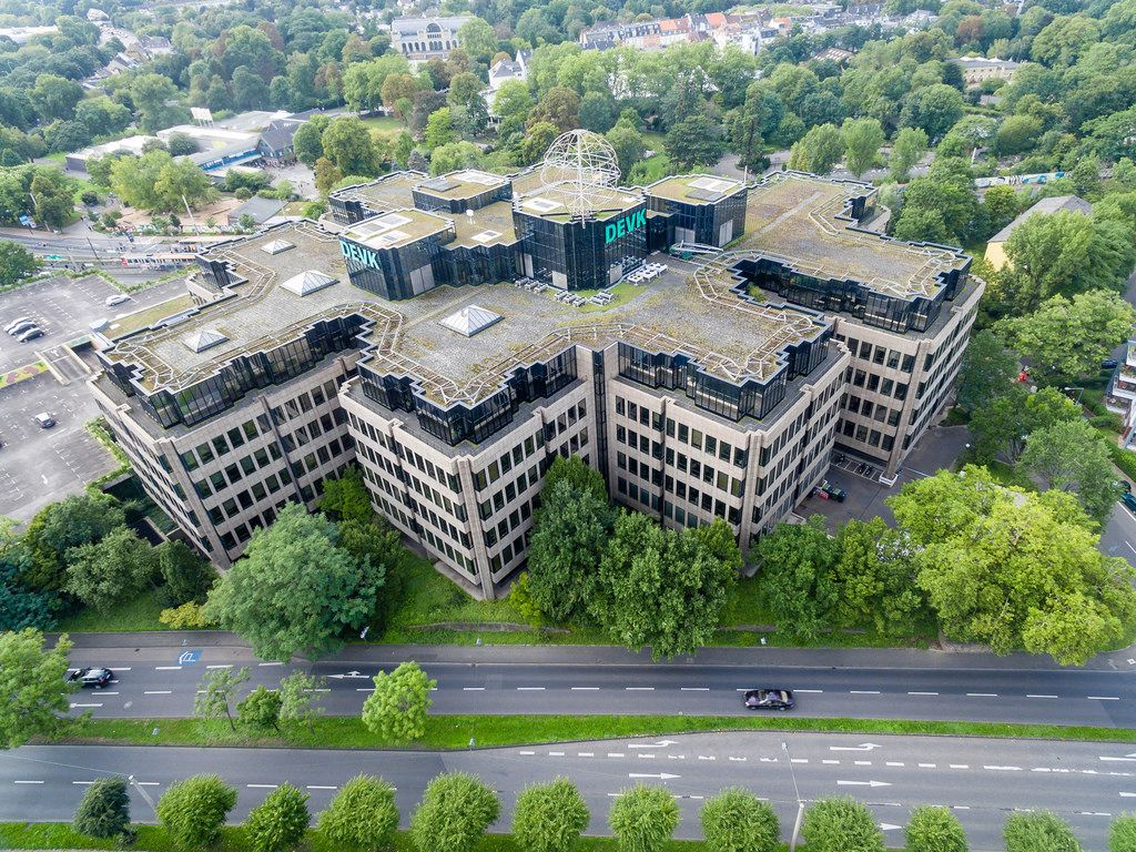 Luftbild: DEVK-Gebäude in Köln