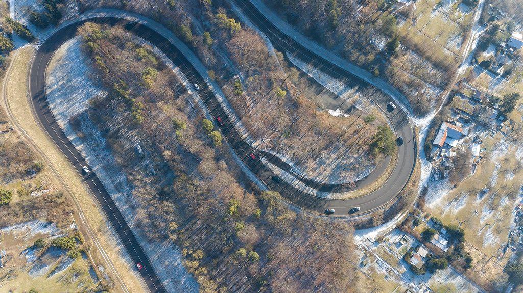 Luftbild einer S-Kurve in Dietlingen