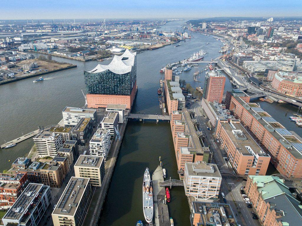 Luftbild: Elbphilharmnonie in Hamburg