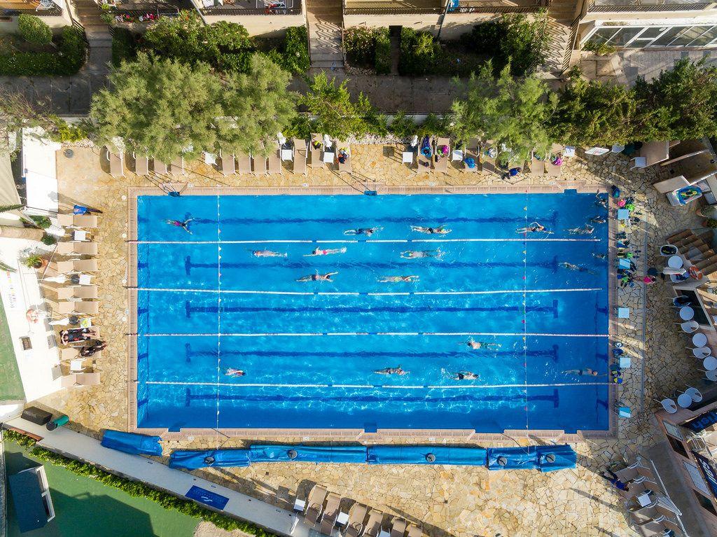 Luftbild: Olympischer Outdoor Pool am Hotel & Spa Ferrer Janeiro