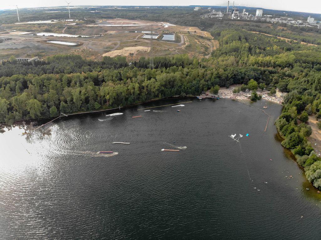 Luftbild: Wasserskianlage am Bleibtreusee bei Brühl