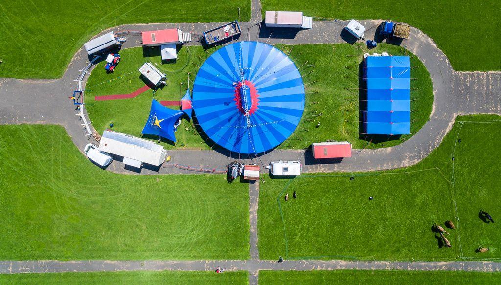 Luftbild: Zirkuszelt in Köln