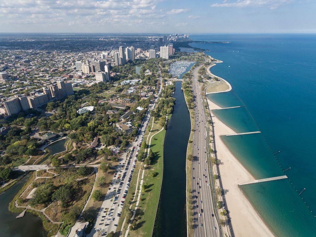 Luftbildaufnahme: Hochhäuser in Park West, South Lagoon, North Avenue Beach