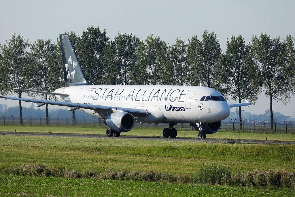 Lufthansa Star Alliance Flugzeug auf dem Flughafen Amsterdam Schiphol