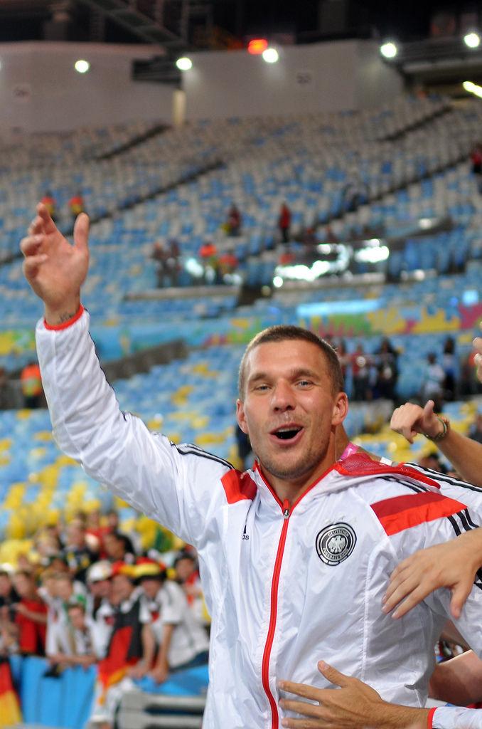 Lukas Podolski nach dem Gewinn der Weltmeisterschaft