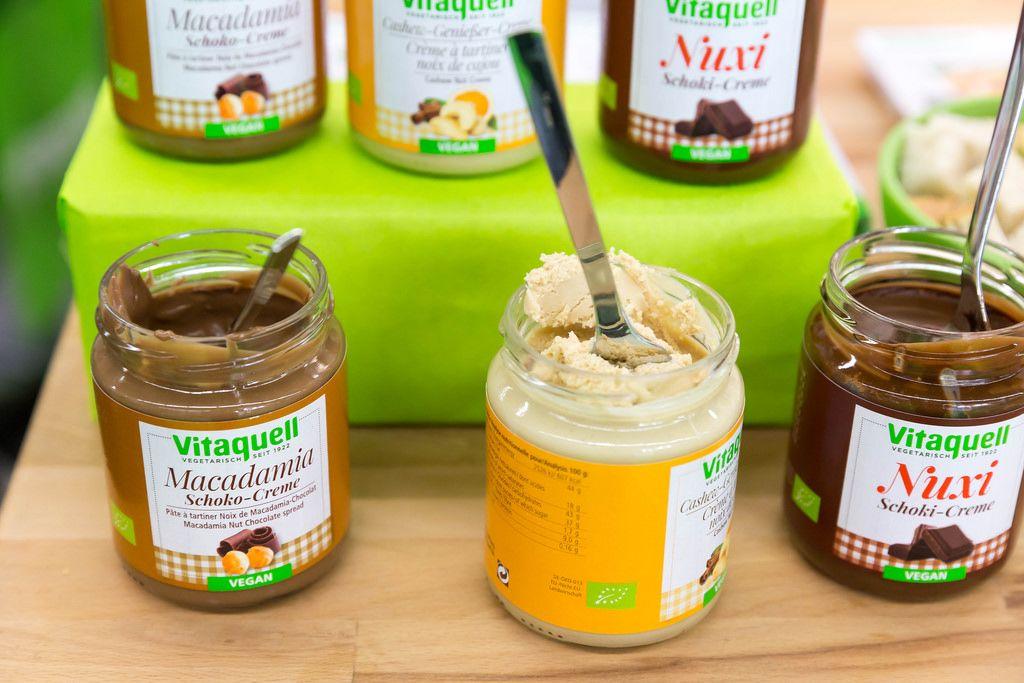 Macadamia Schoko-Creme, Cashew-Genießer-Creme und Nuxi Schoki-Creme von Vitaquell
